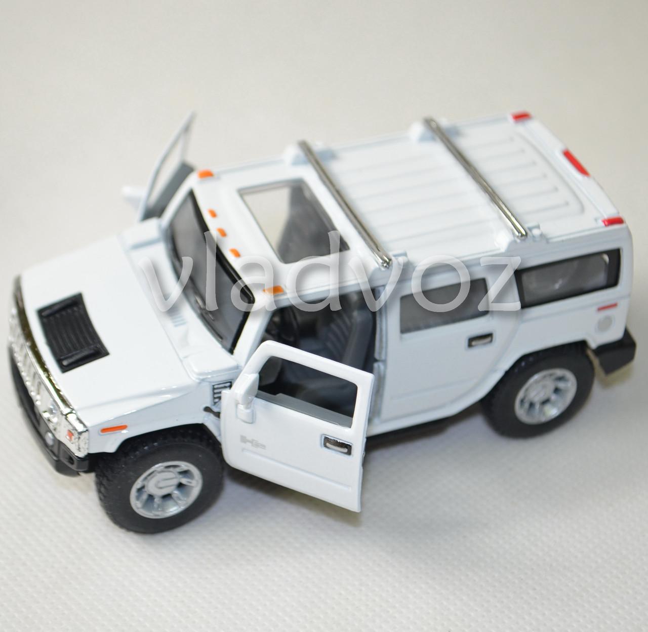 Машинка модель из металла Hummer H2 SUV 1:38 белый