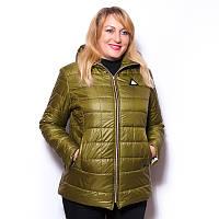 Женская куртка большого размера стеганная с капюшоном