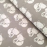 Лоскуток, хлопковая ткань с лисичками на сером фоне  80*160 №94