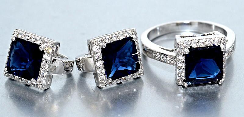 """Набор  """"серьги и кольцо"""",покрытие родием. Камень:белый и синий циркон. Высота серьги: 1,5 см Ширина: 10 мм"""