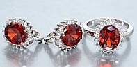 """Набор  """"серьги и кольцо"""",покрытие родием. Камень:белый и бордовый циркон. Высота серьги: 1,5 см Ширина: 12 мм"""