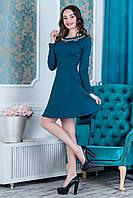 Нарядное платье синего цвета с жемчужинами