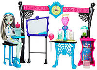 """Monster High Skulltimate Science Class Playset with Doll - Набор с Френки """"Класс Науки"""""""