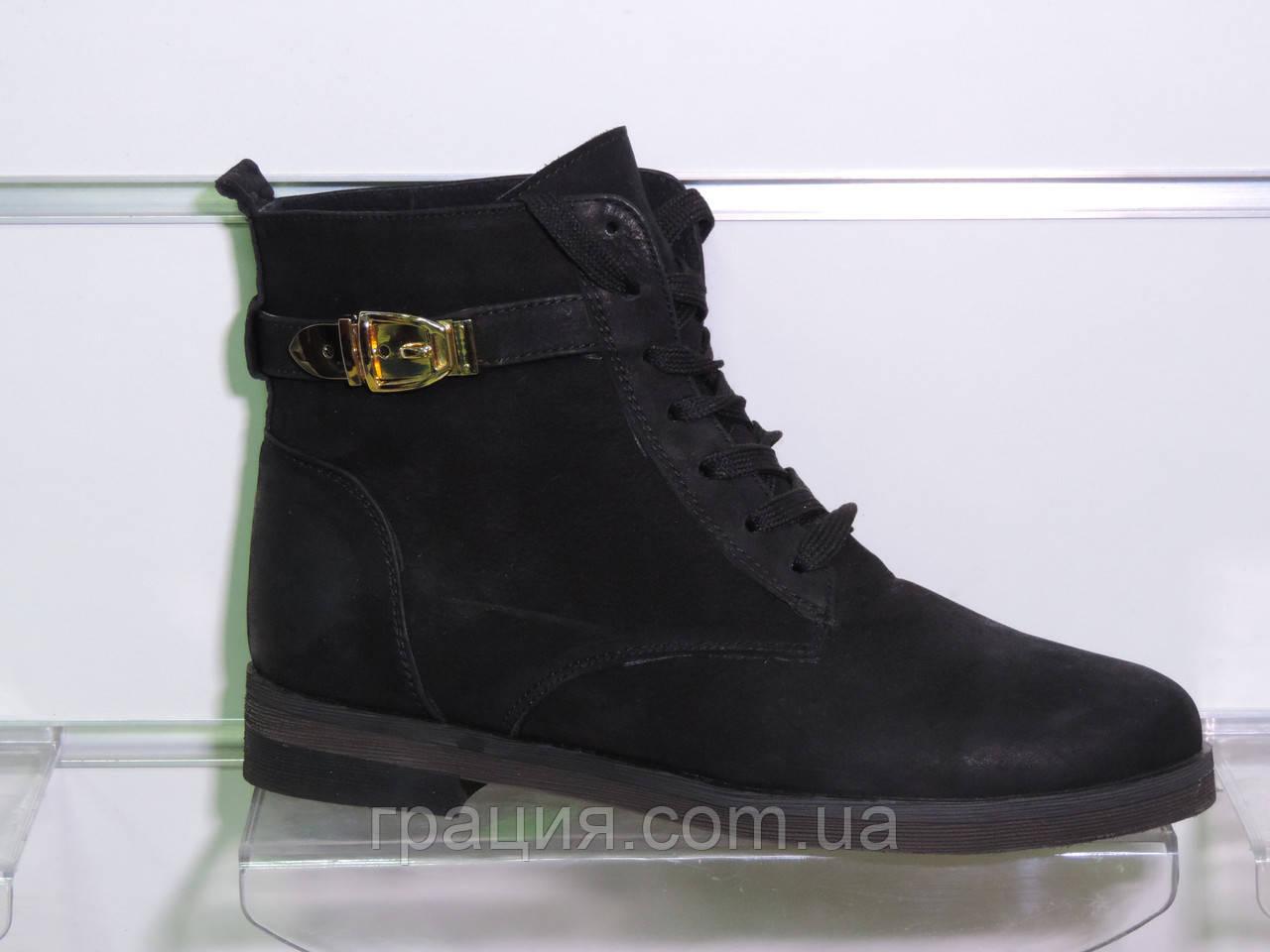 Зимові жіночі шкіряні черевики на шнурівці чорні