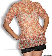 Блузка в цветочек, посадка на бедрах