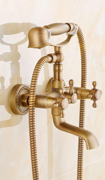 Смеситель кран в ванную комнату с лейкой бронза