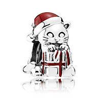 """Шарм """"Рождественский котенок"""" из серебра Pandora, 792007EN39"""