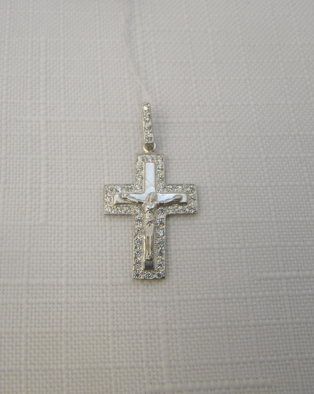 Серебряный крестик с распятием GS и цирконами