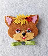Брошка-украшение для одежды. Рыжий котик из фетра.