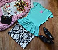 Костюм кофта-баска ментол + юбка принт орнамент