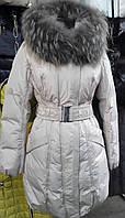 Зимняя куртка женская светло-серого цвета
