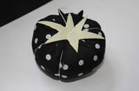 Игольница черный помидор