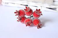 Декоративные ягоды шиповника в сахаре 6 шт/уп. красного цвета