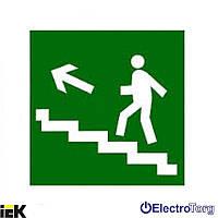 """Самоклеящаяся этикетка 50х50мм """"Направление к  эвакуационному выходу по лестнице налево вверх"""" ИЭК"""