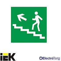 """Самоклеющая этикетка 150х150мм """"Направление к эвакуационному выходу по лестнице налево вверх"""" ИЭК"""
