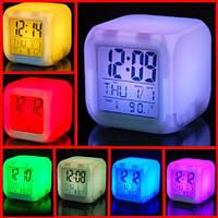 Цифровые светодиодные часы куб с ЖК-дисплеем и будильником, с изменяющимися цветами, для снятия стре