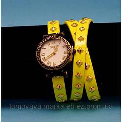 """Женские наручные часы-браслет на кожаном ремешке с заклепками """"Тарзали"""""""