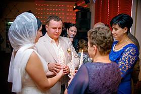 Свадебный обряд зажигания свечей.