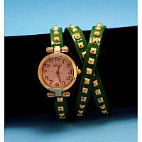 """Женские наручные часы-браслет на кожаном ремешке с заклепками """"Намбор"""""""