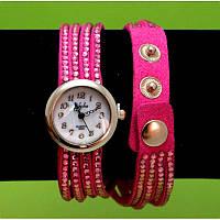 """Женские наручные часы-браслет на тонких замшевых ремешках со стразами  """"Тулли"""", красные"""