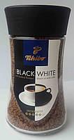 Кофе растворимый Чибо Tchibo black white 100г