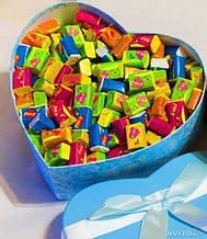Жевательная жвачка Love is, жвачки лове ис ассорти в подарочной упаковке 50 шт