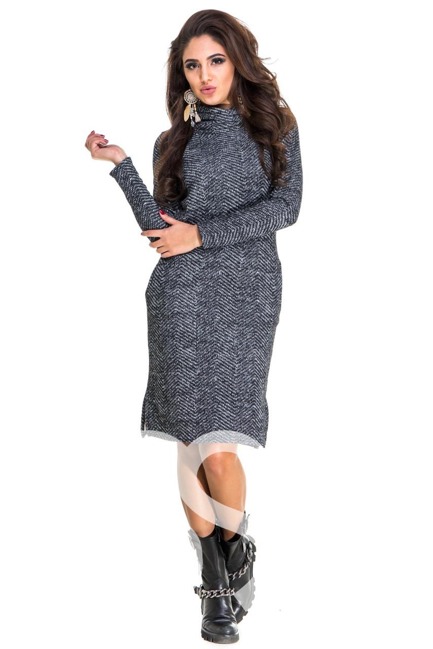 Теплое платье с принтом и карманами