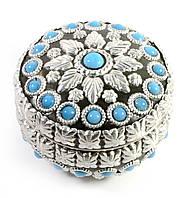 Шкатулка металическая с  голубыми камнями(d- см h-6 см)