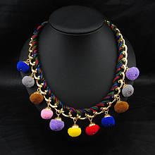 Модное ожерелье с помпонами