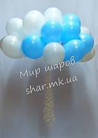 Облако из 25 шаров с гелием (белый, голубой) для встречи из роддома