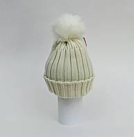 Вязанная шапка для девочки  с помпоном