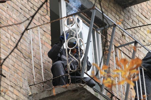 винос балкона в хрущовці по підвіконню