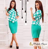 Стильный женский костюм блузка в клетку и юбка