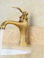 Смеситель для умывальника в ванную бронза однорукий