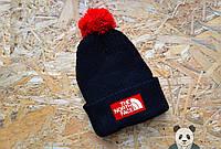 Черная модная шапка мужская The North Face Beanie  с бубоном