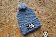 Мужская серая шапка с бубоном The North Face Beanie