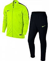 Тренировочные спортивные костюмы Nike