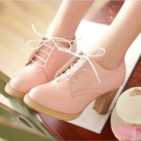 Магазин обуви Бутс предлагает купить обувь оптом, произведенную на фабриках, оснащенных самым современным оборудованием.