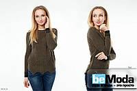 Трендовый свитер с округлым вырезом и волнообразным дополнением универсального размера хаки