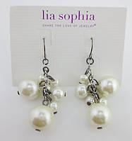 Красивые нежные серьги с бусинами белого цвета от Lia Sophia