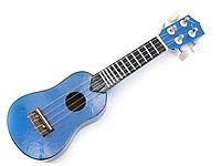 Синяя акустическая гитара