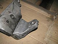 Кронштейн двигателя правый и правая плита двигателя D4EA (2,0) Hyundai i30 2007-2011