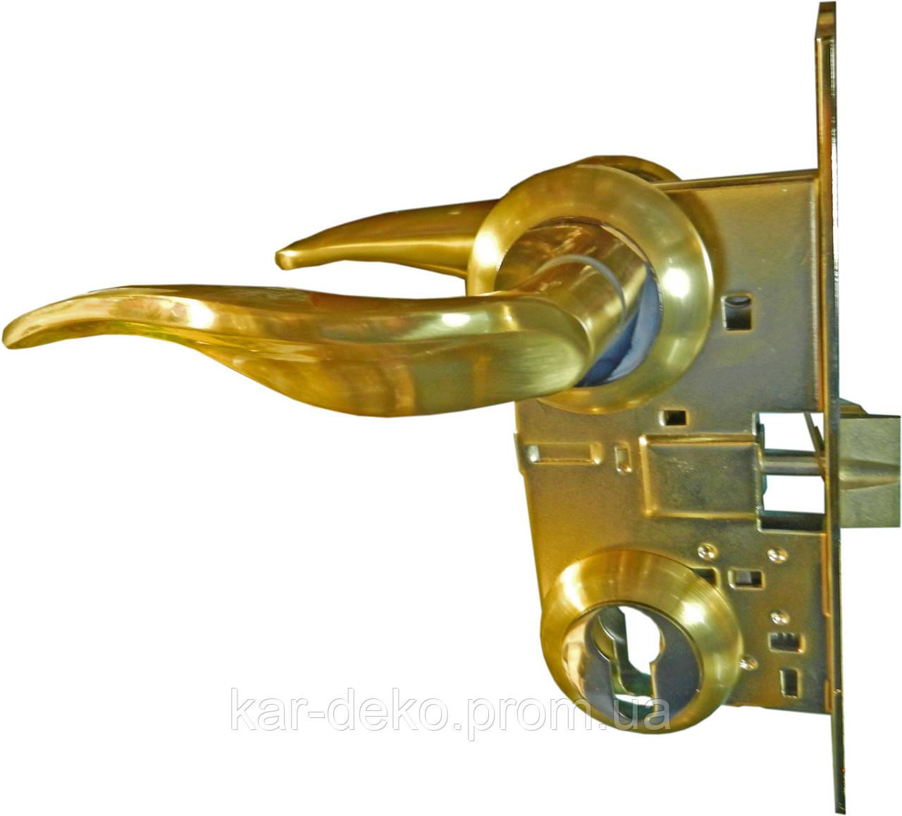 Дверная ручка межкомнатная с замком Mangoose