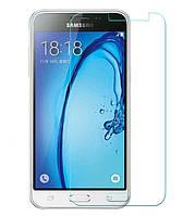 Защитное стекло Samsung Galaxy J3 2016 / J320 / J3109