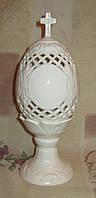 Яйцо керамическое белое резное крест