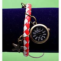 """Женские наручные часы-браслет на плетеном ремешке с подвесками """"Эннискерри"""", красный с белым"""