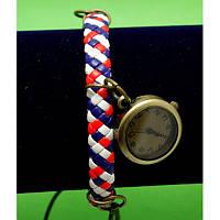 """Женские наручные часы-браслет на плетеном ремешке с подвесками """"Дайнджин"""", разноцветный"""