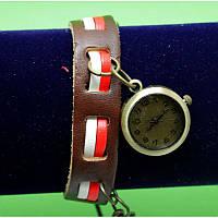 """Женские наручные часы-браслет на широком ремешке с подвесками """"Данбойн"""", коричневый"""