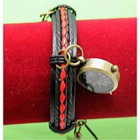 """Женские наручные часы-браслет на широком двойном ремешке с подвесками """"Седуна"""", черно-красный"""