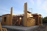 Монтаж первого этажа каркасного дома на подготовленный фундамент